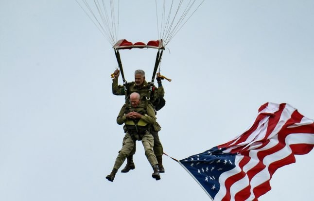 VIDEO: American D-Day veteran parachutes into France again at the age of 97