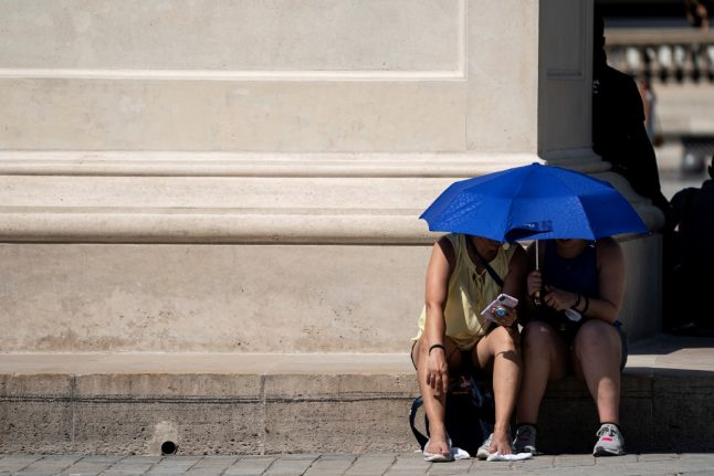 Heatwave in Europe: Italy puts 16 cities on red alert, Paris sizzles and German police halt naked scooter rider