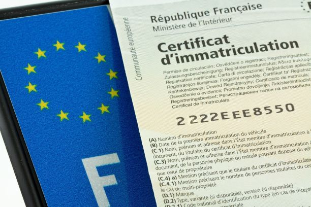 Second home owners in France: Can I register a car at my French address?