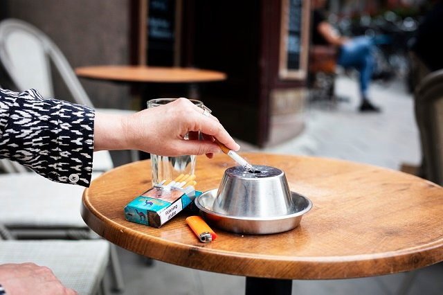 Increased sales of nicotine replacements after Sweden's smoking ban