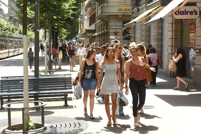 Your views: 'No Sunday shopping is one of the best things about Zurich'