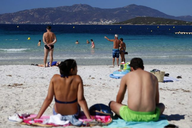 32C! How summer will make an unseasonal return to France this weekend