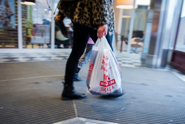 Sweden set to tax plastic carrier bags – here's how much you'll have to pay