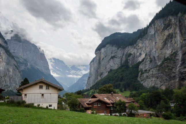 Villages across Swiss Alps set to fight proposed base jumping ban