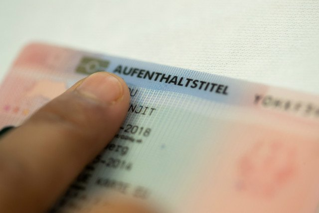 Brits in Germany face residence permit costs of up to €150 in no-deal Brexit