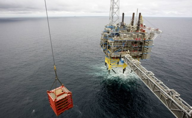 Norway sovereign fund scales back plans to reduce oil investments