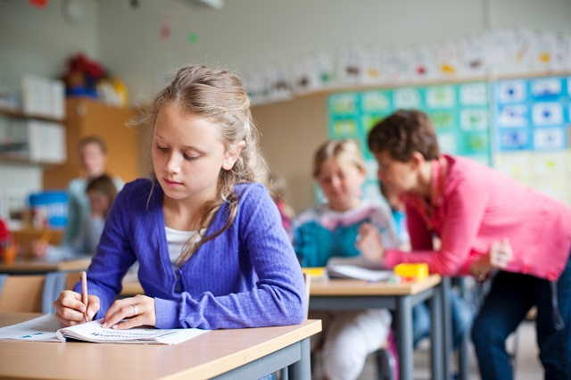 Children in Sweden will soon be able to receive grades from age 10