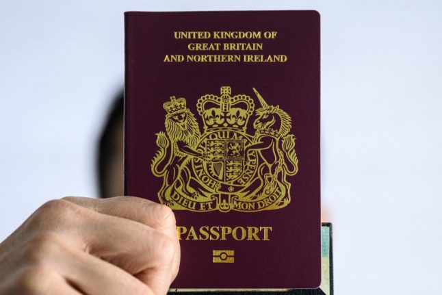 Brexit: Do I really have to give up my British passport to become Spanish?