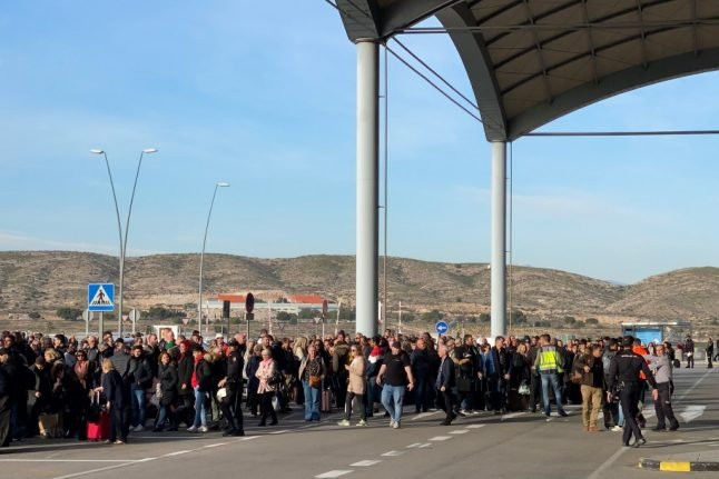 UPDATE: Alicante airport set to reopen on Thursday after fire grounds flights