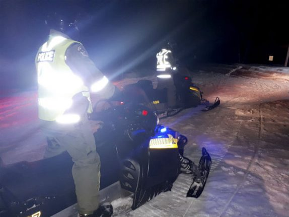 Searchers find body of French snowmobiler who crashed through ice