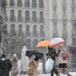 Ten essential phrases to discuss the weather like a true Spaniard