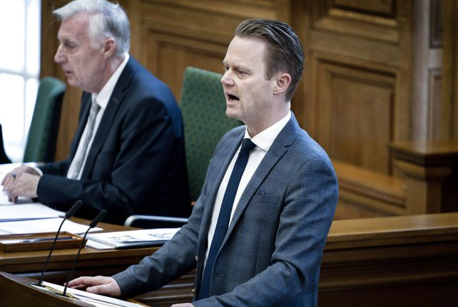 Denmark parliament to discuss presence of soldiers in Iraq