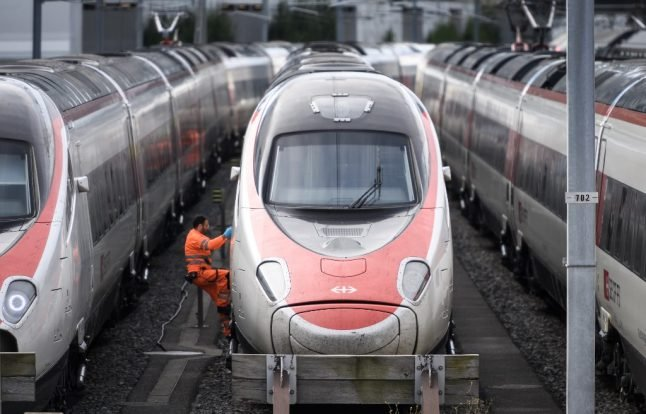 12 hurt as train hits buffer at Lucerne rail station
