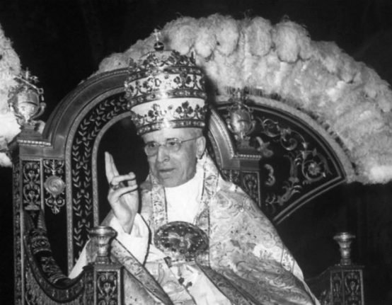 Will 'secret' archives reveal why WW2 pope stayed quiet on Holocaust?