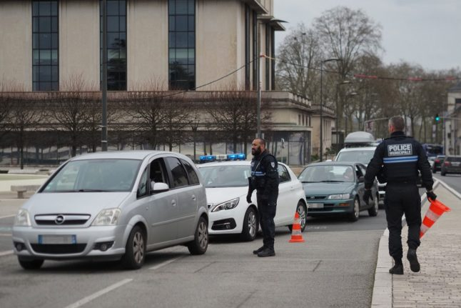 UPDATE: France extends validity of car safety tests until the summer