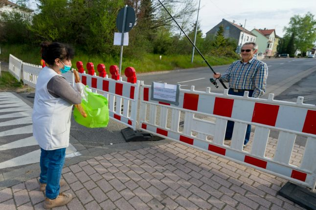 Baguette-loving Germans go fishing at French border for their pastry fix during pandemic