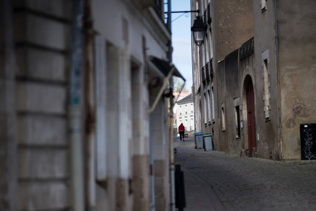 Lockdown increases risk of attacks on the street of France, say women's groups
