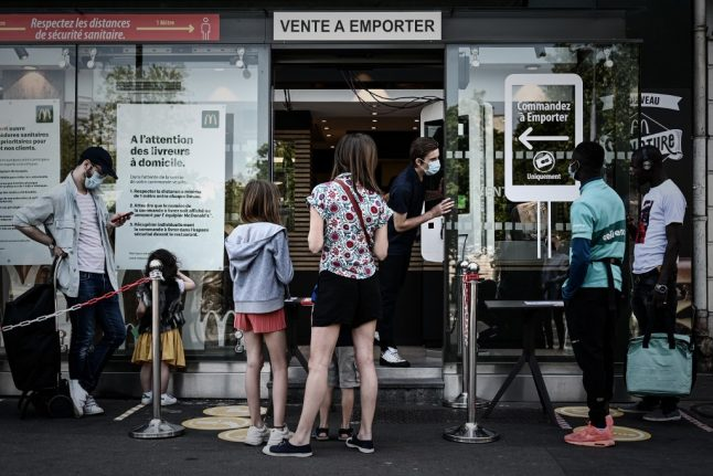 EXPLAINED: This is France's new plan to help workers and self-employed