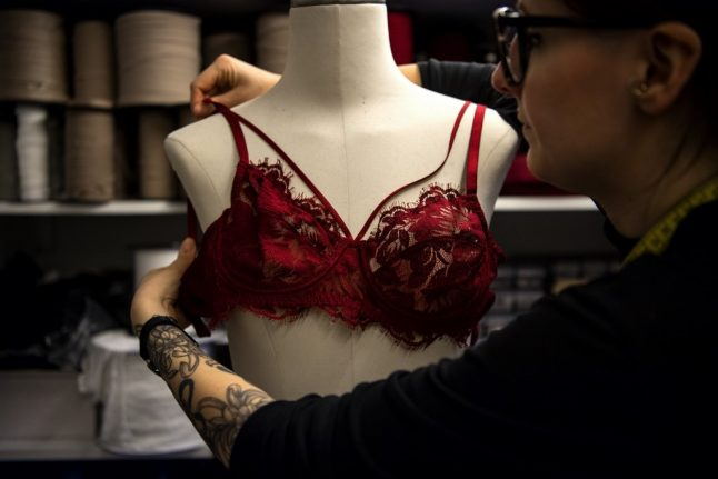 Why French women are abandoning their bras