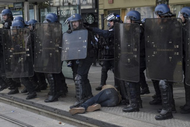 Do the French police really use only 'legitimate violence'?