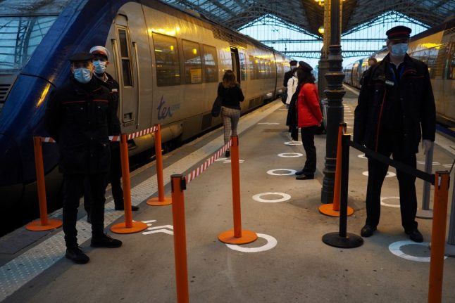 French rail passengers to get temperature tests