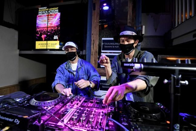 Mandatory masks in nightclubs in four Swiss cantons from today