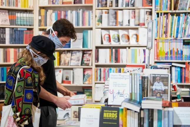 Face masks to remain mandatory in shops across Germany