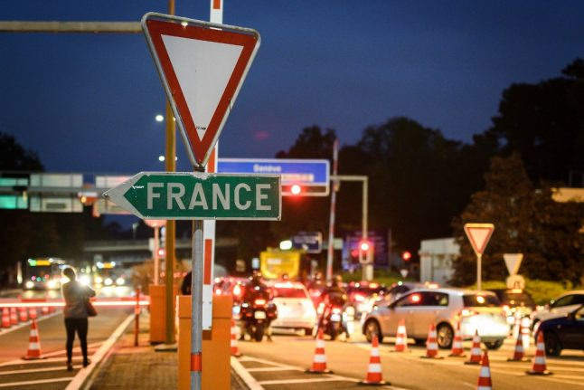 Could Switzerland force arrivals from France to go into quarantine ?