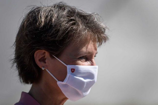 Three more Swiss cantons make masks compulsory in shops and supermarkets
