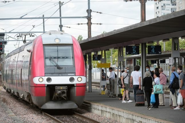 SNCF opens Christmas sales in France with fully reimbursable train tickets