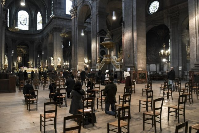 French court orders government to loosen rules on religious ceremonies