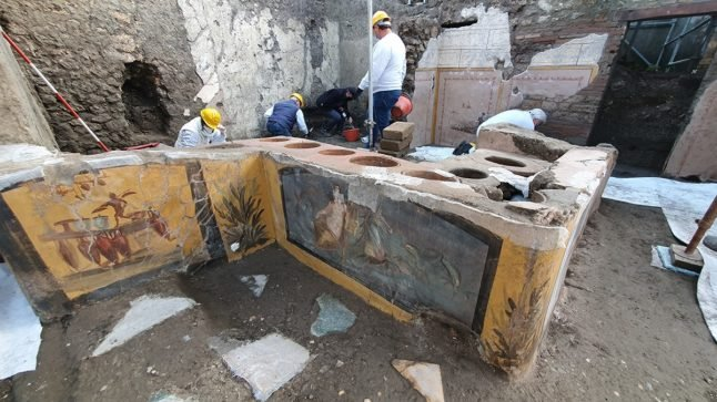 Italian researchers unearth ancient fast food joint in Pompeii