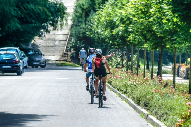 Driving in Spain: What are the new rules for overtaking cyclists?