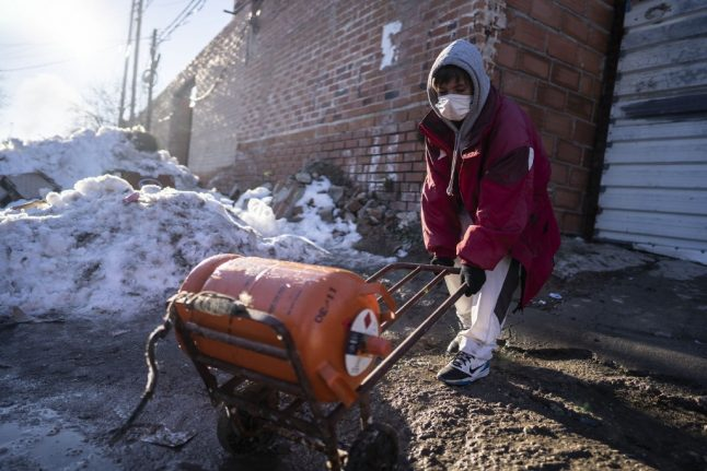 Cañada Real: Residents of Madrid's shantytown struggle without heat in historic snowfall