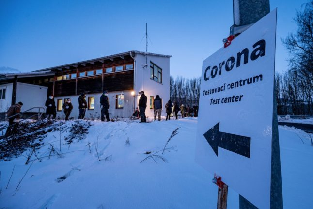 Travel: Anger on Czech border as Germany demands Covid-19 tests