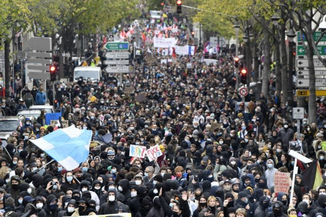 Why can France never agree how many people are protesting or on strike?