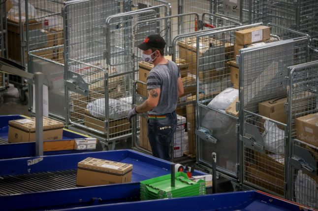 New rules and extra charges in sending parcels between UK and France