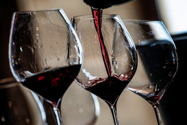 French wine exporters hit by new 25% tariff from USA
