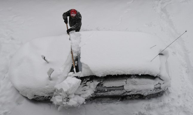 Snow and ice cause travel chaos in parts of Germany
