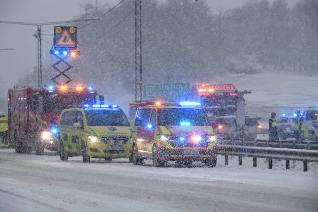 TRAFFIC CHAOS: 20 vehicles in Stockholm pile-up as snow hits eastern Sweden