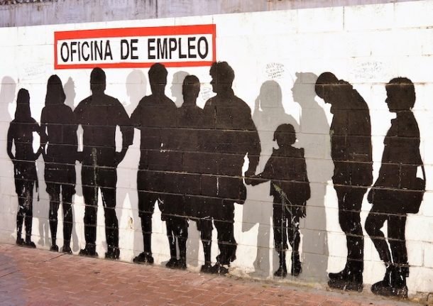 Beat the queues: 25 official matters you can do online in Spain