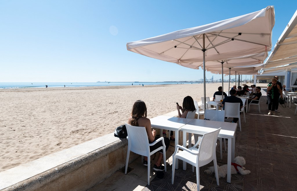 Spain's Valencia region to reopen bar and restaurant terraces after 40 days