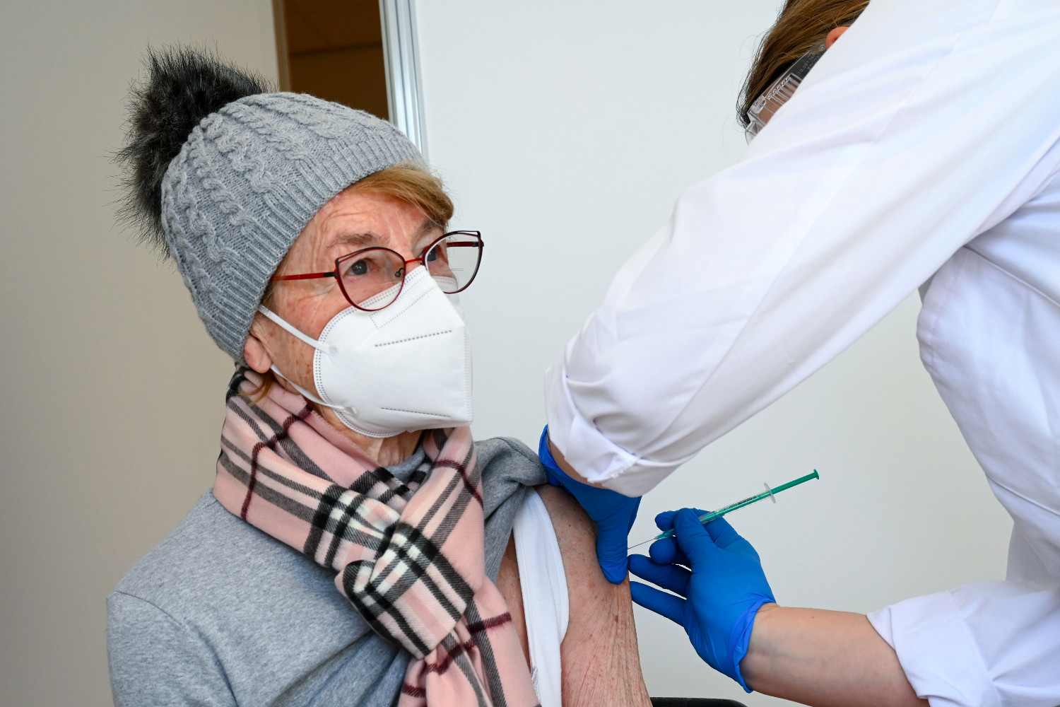 Germany aims to offer priority groups and all over 60s first vaccine by end of June