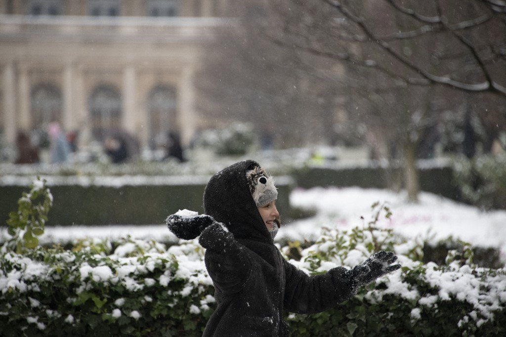 Schools closed and transport suspended as snow hits northern France