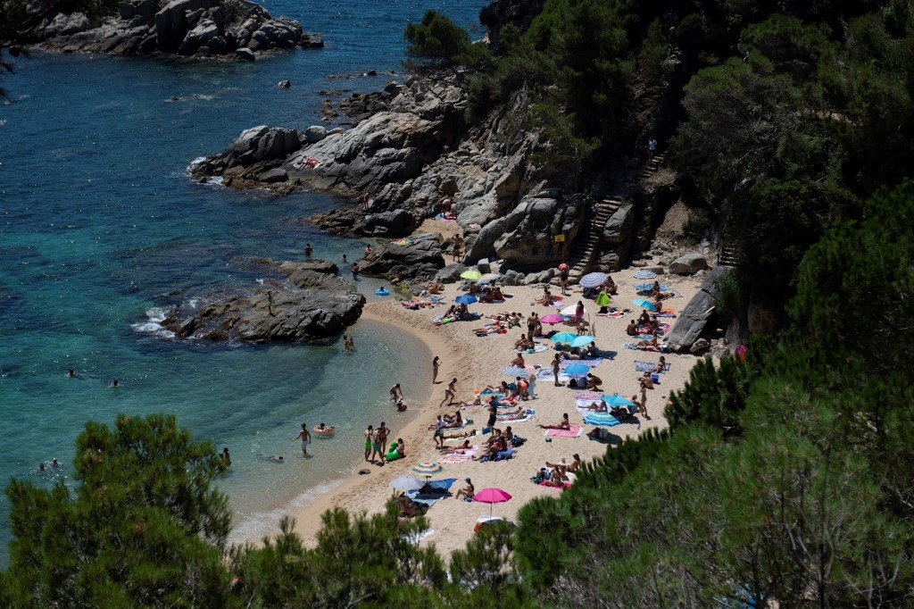 ANALYSIS: How soon can Spain hope to welcome back tourists?