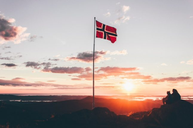 Why foreigners with Norwegian partners are more likely to become citizens