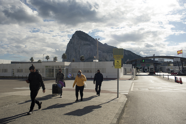 Gibraltar to vaccinate its Spanish cross-border workers