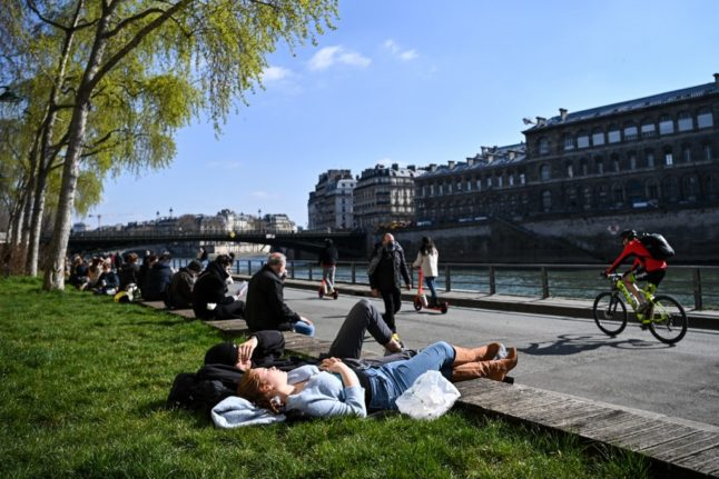 'Meet up outside': French government explains rules of new 'lockdown light'