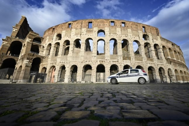 Italy ramps up police checks over Easter to prevent Covid-19 surge