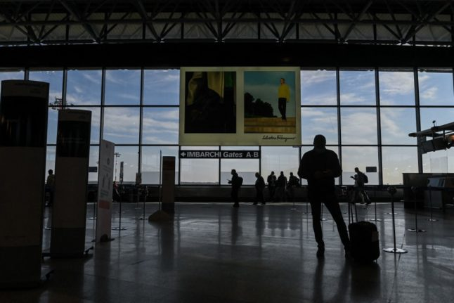 Italy extends quarantine for EU travellers until end of April